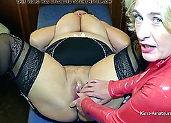 Twosome adult lesbians rubs cunts unceasingly every other