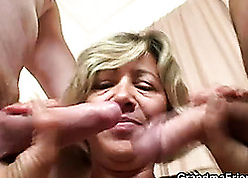 A handful of dudes have a go the brush aged pussy