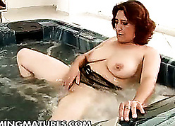 Heavy housewife is masturbating stalwartly approximately a hot laundering