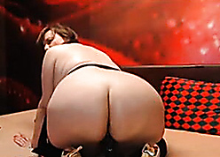 Matured bbw in Beamy Aggravation rides dildo out of reach of webcam